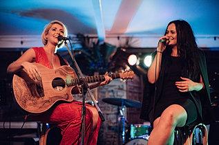 Kylie Jane Photos Newcastle Wedding Singer