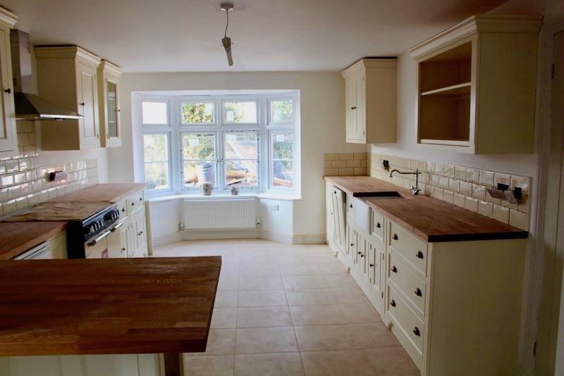 kitchen hartpury 2.jpg
