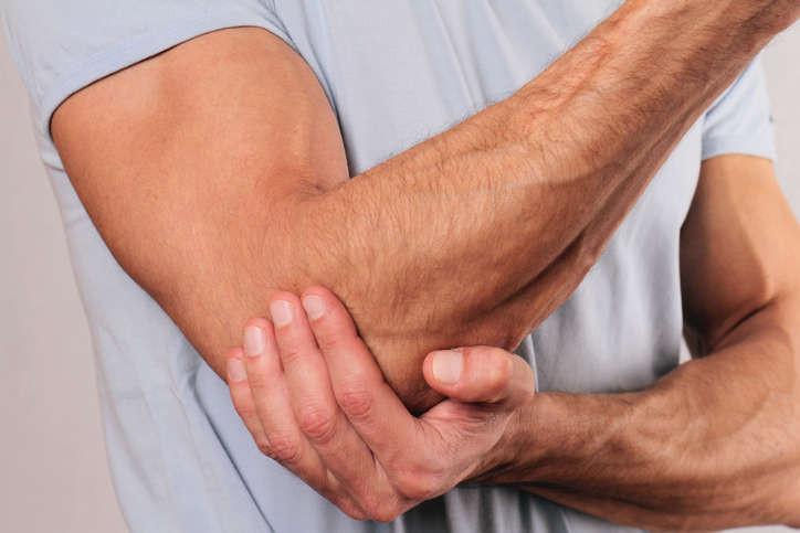 Come curare l'epicondilite, o gomito del tennista, in poche sedute con l'osteopata a Cagliari e fisioterapista Dottor Angioni.