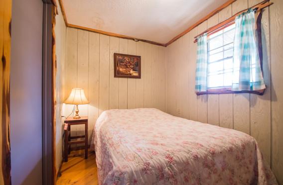 Cabin 18-8.jpg