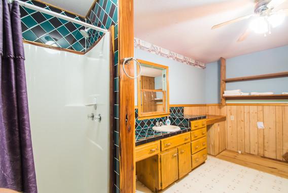 Cabin 21-16.jpg
