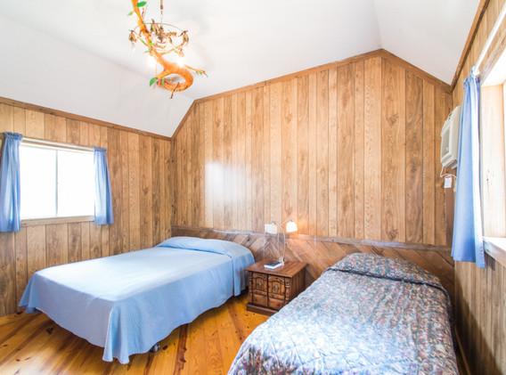 Cabin 3-9.jpg