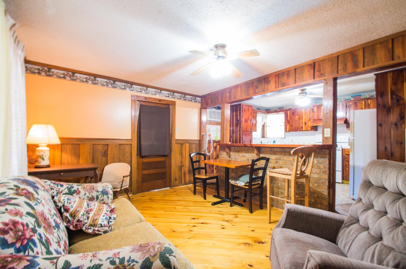 Cabin 21-13.jpg