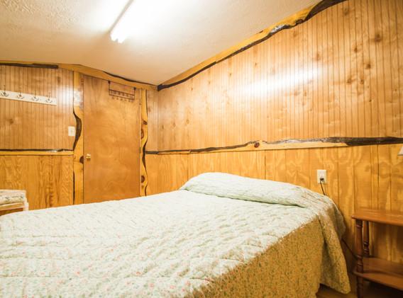 Cabin 4-8.jpg