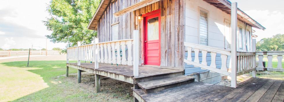 Cabin 15-2.jpg