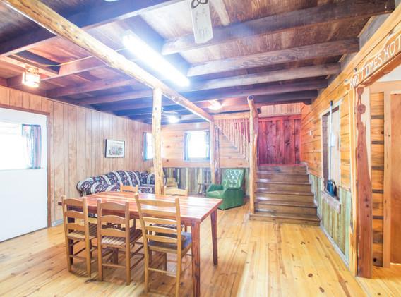 Cabin 4-6.jpg