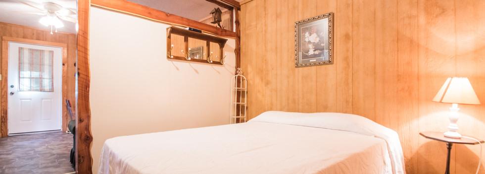 Cabin 22-1.jpg