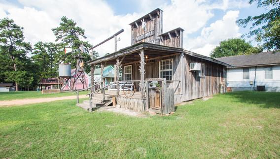Cabin 11-12.jpg