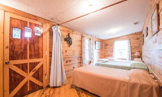 Cabin 16-8.jpg