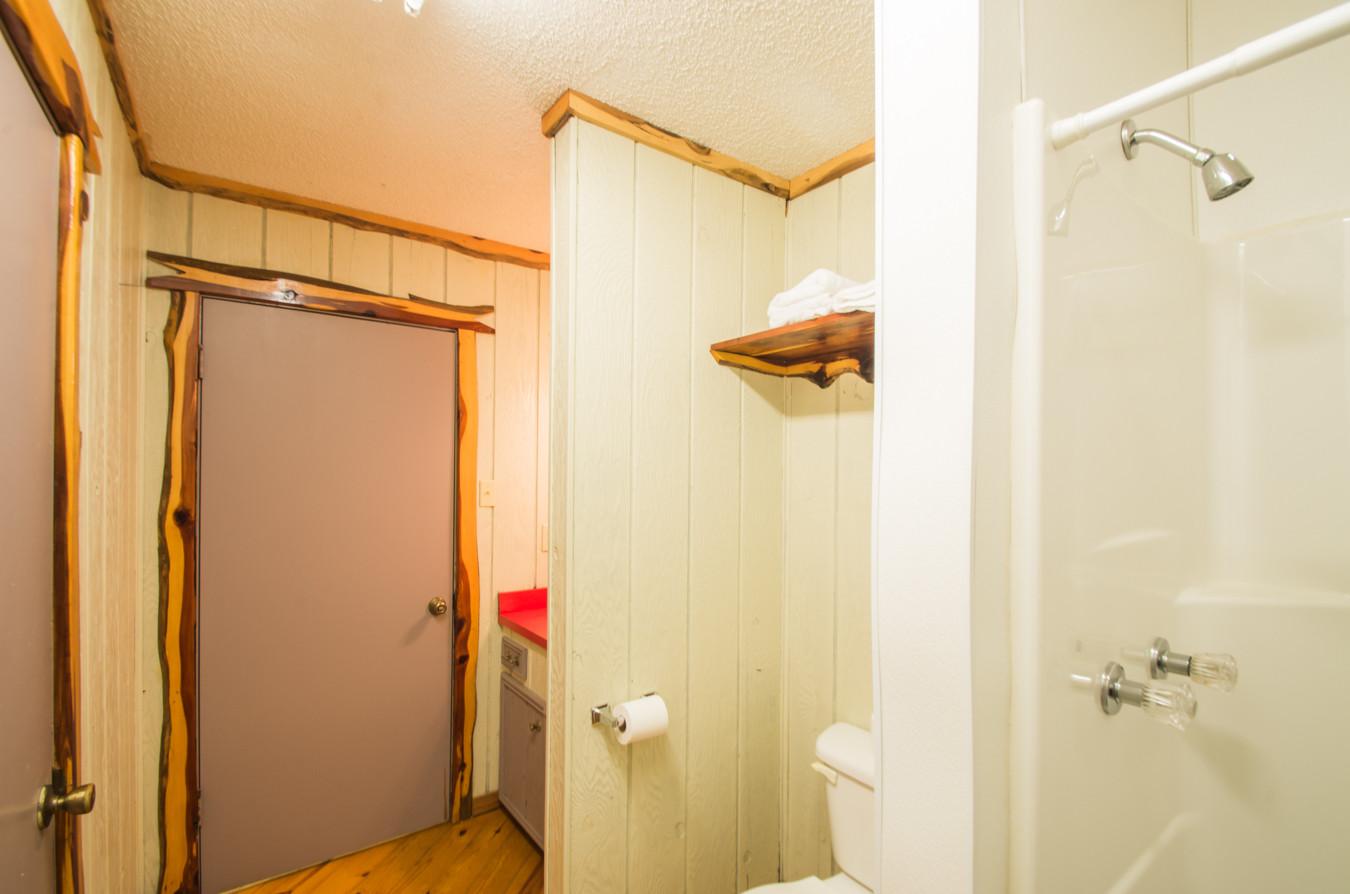 Cabin 18-7.jpg