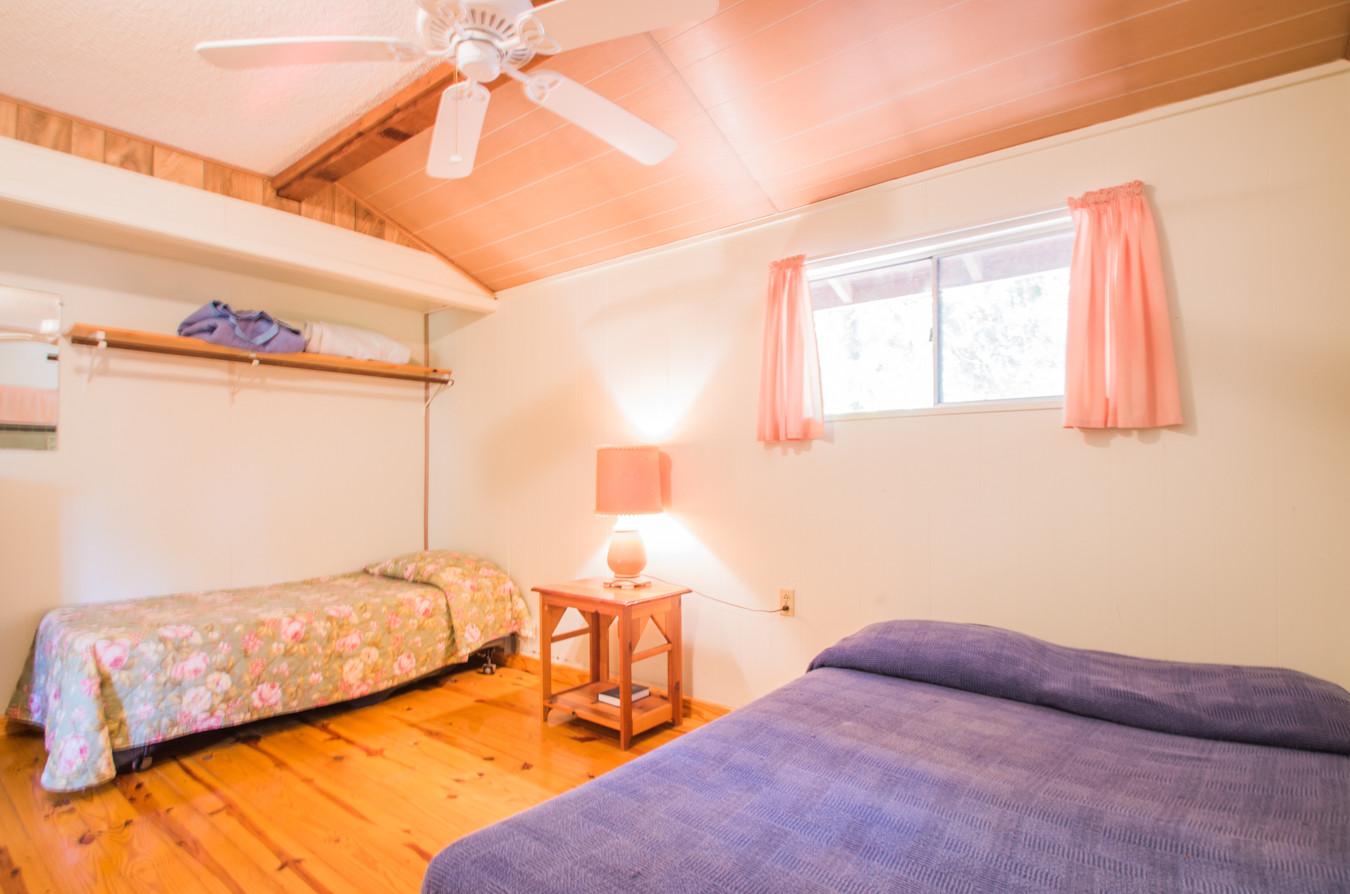 Cabin 10-8.jpg