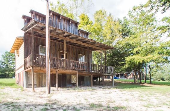 Cabin 18-2.jpg