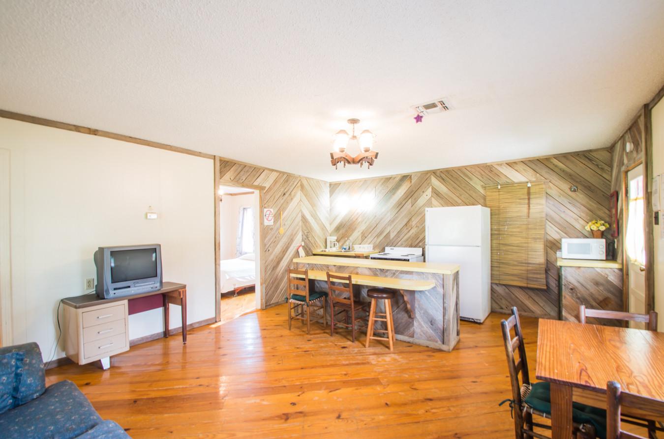 Cabin 15-4.jpg