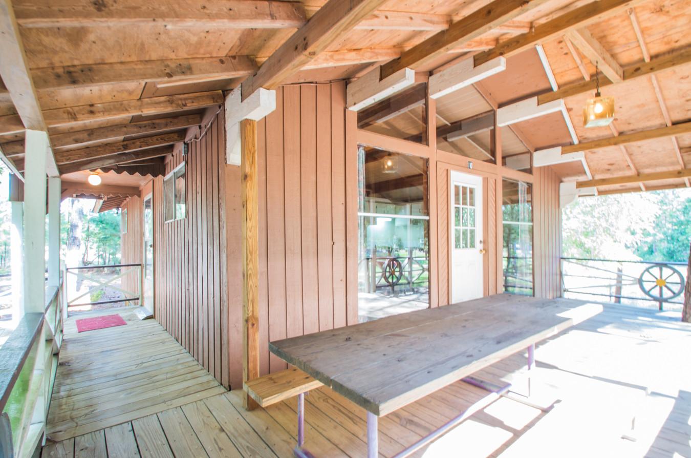 Cabin 10-4.jpg
