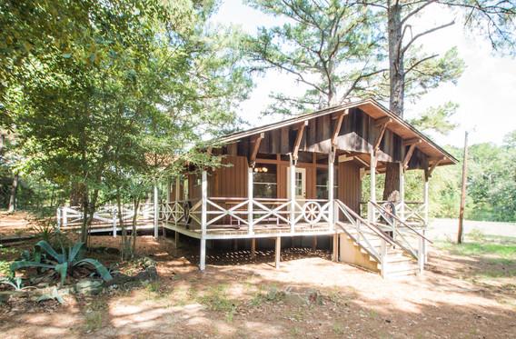 Cabin 10-1.jpg