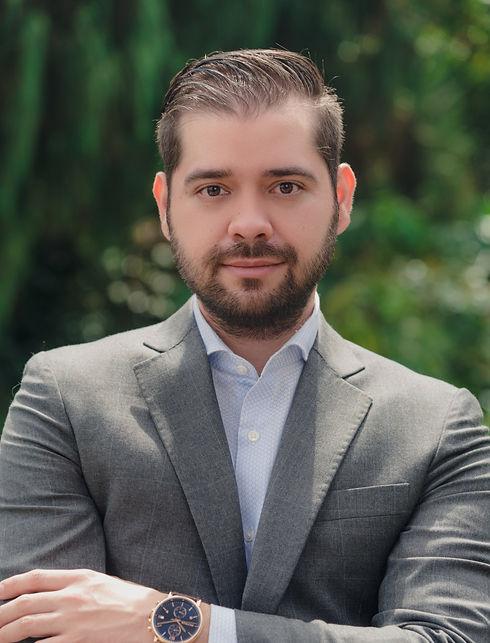 Oscar Jimenez 1_edited.jpg