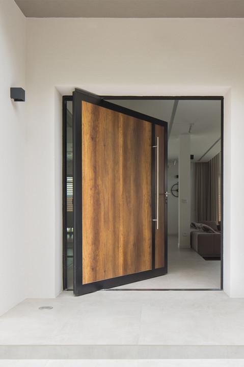 porte d'entrée à pivot.jpg