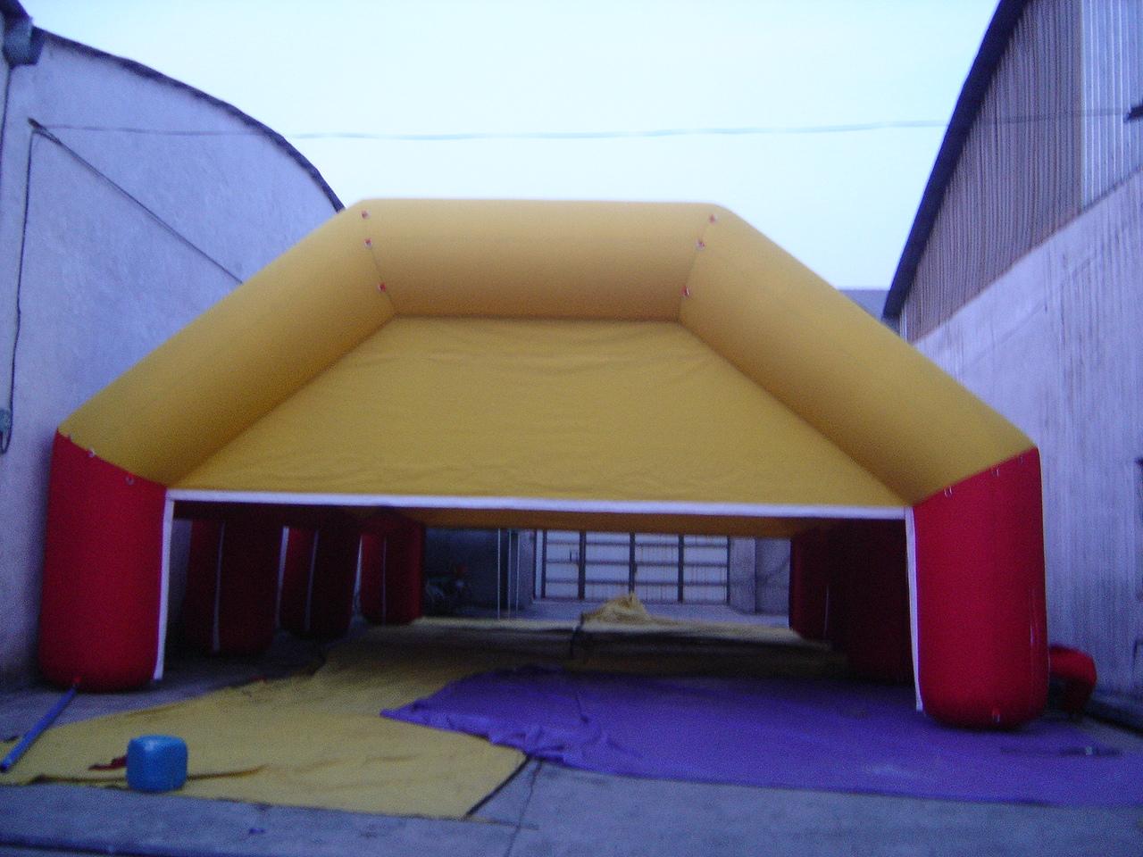 Oppblåsbart telt