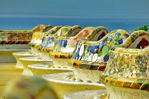 Park-Guell-Unique-Bench-with-Artistic-Mosaic