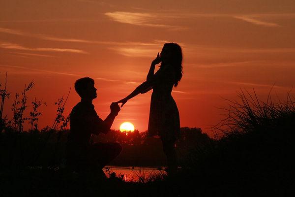 couple-915991_1280.jpg