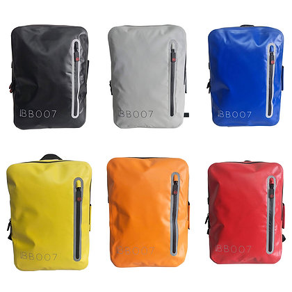 Zaino Waterproof pvc backpack 18 lt con caricatore USB
