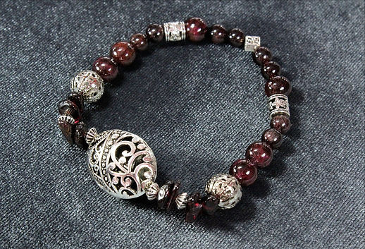 Авторский браслет из натурального камня - граната