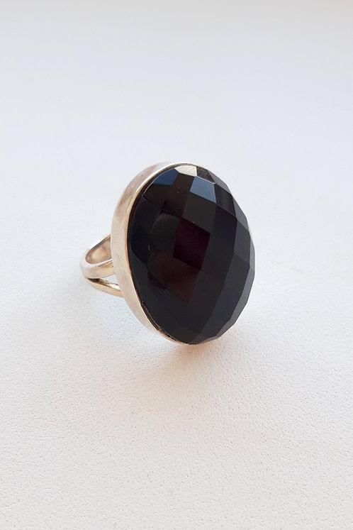 Серебряное кольцо с чёрным ониксом