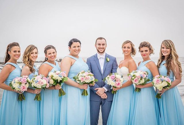 Bridesmaids on point 👌🏻#hairbyme #updo