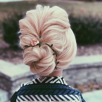 Blonde updos🧡 Hair by me @updosbylisa #