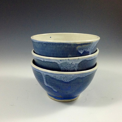 Set of Small Blue/white bowls
