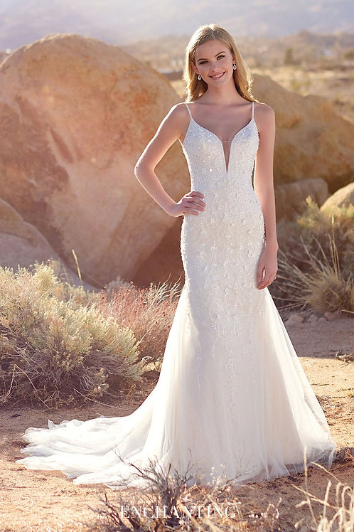 220116 Enchanting Fit & Flare Wedding Dress- In Stock