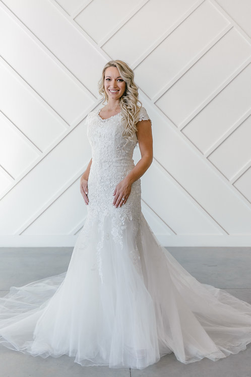 EK1205M Eddy K Trumpet Wedding Dress- In Stock
