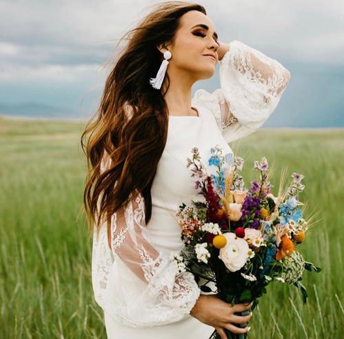 Bride: Lindsay Savage