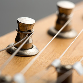 Juarez Acoustic Guitar, 38 inch cutaway review 2021 - guitarduniya