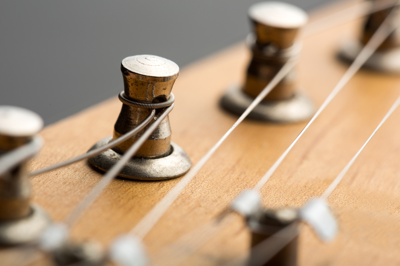 Gitarren Service (Saiten wechseln)
