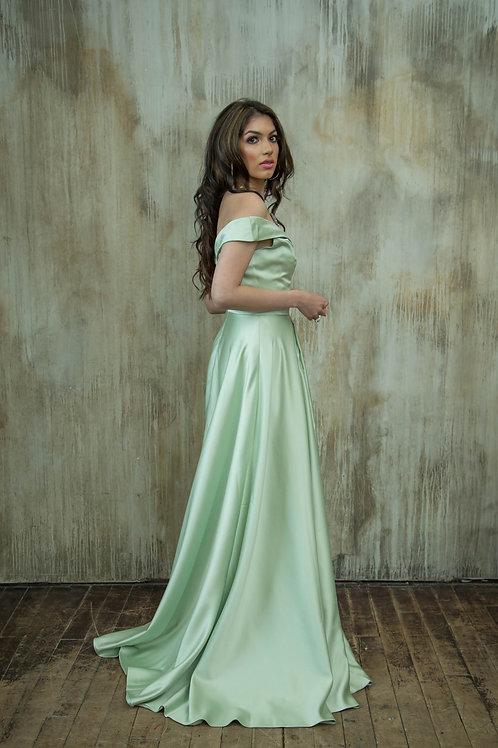 Jasmin Gown