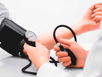 A hipertensão pode ser tratada apenas com exercícios?
