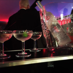 bar hirew chichester 9