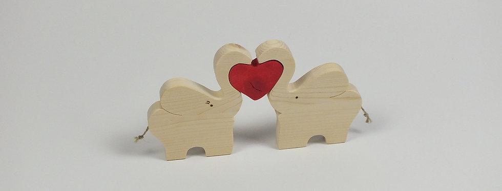 verliebte Elefanten mit Herz, Fichte