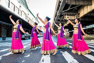 Ajna Dance_Originalshoot_Streetstanding.
