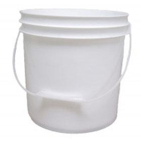 2 Gallon (7.56 l) White Plastic Pail