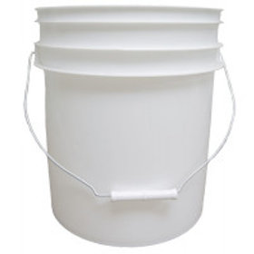 4 Gallon (15.14 l) White Plastic Pail