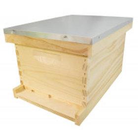 """Complete 8 Frame 9 5/8"""" (24.45 cm) Hive Kit - Wood Frames"""