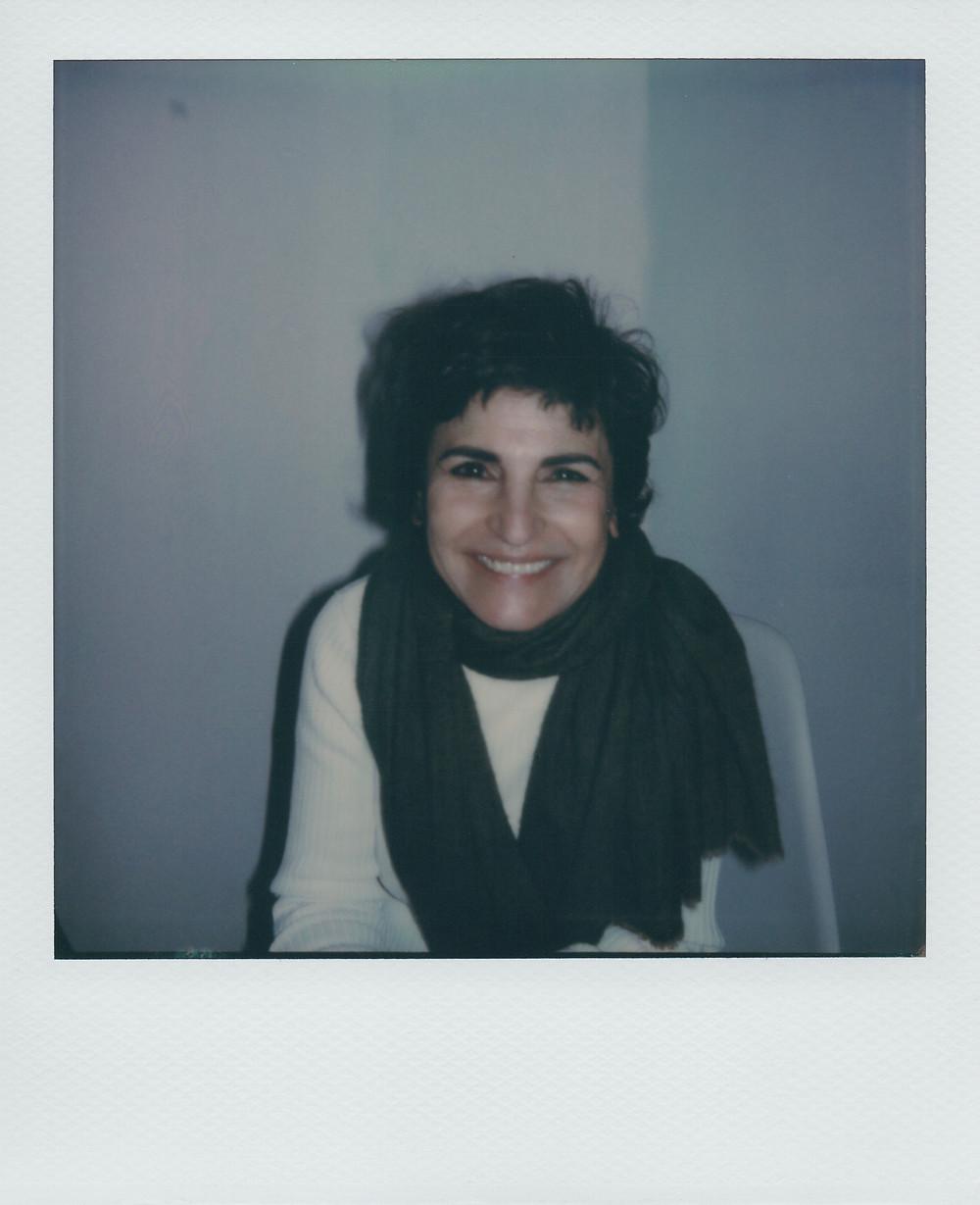 Portrait d'Iris de Moüy au Polaroïd