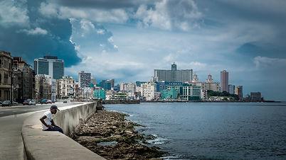 Journée d'orage en bord de mer à La Havanne
