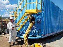 frac tank cleaning.jpg