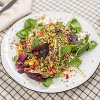 mix salatu s quinoou
