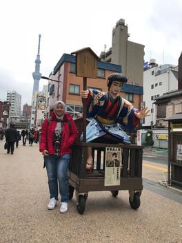 Patung di Asakusa