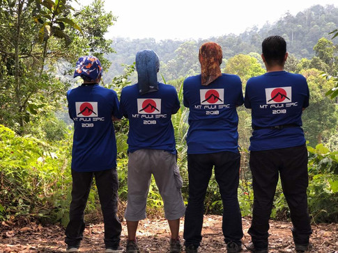 Team Hiking Gunung Fuji