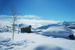 Ferme perdue dans la neige